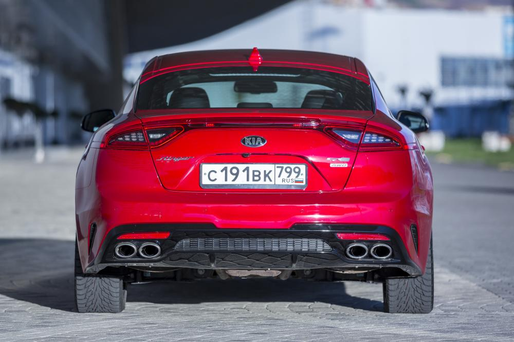 Kia Stinger 1 поколение (2017) GT лифтбэк