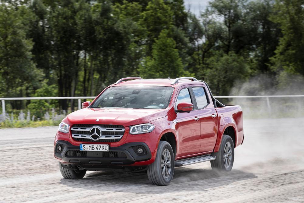 Mercedes-Benz X-Класс в движении по бездорожью