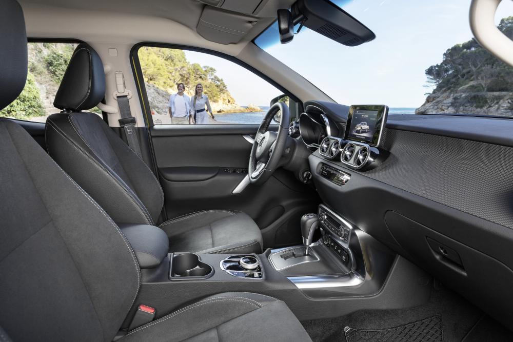 Mercedes-Benz X-Класс кабина, передний ряд