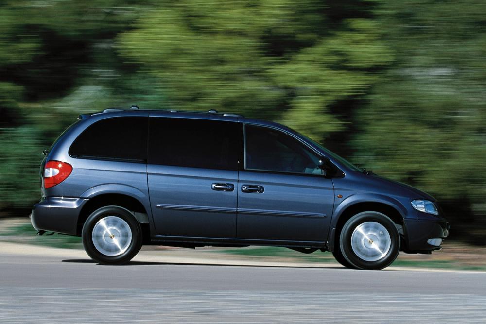 Chrysler Voyager 4 поколение (2001-2004) Минивэн
