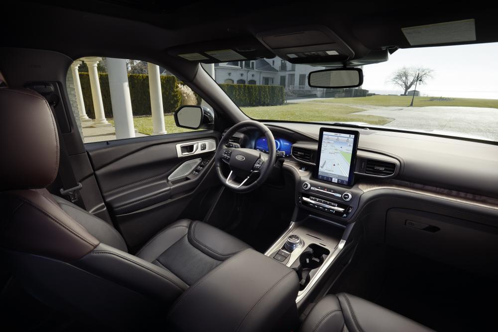 Ford Explorer 6 поколение интерьер
