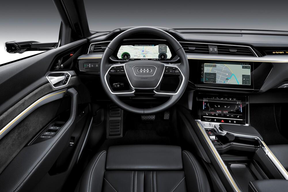 Audi e-tron 1 поколение (2018) Кроссовер интерьер