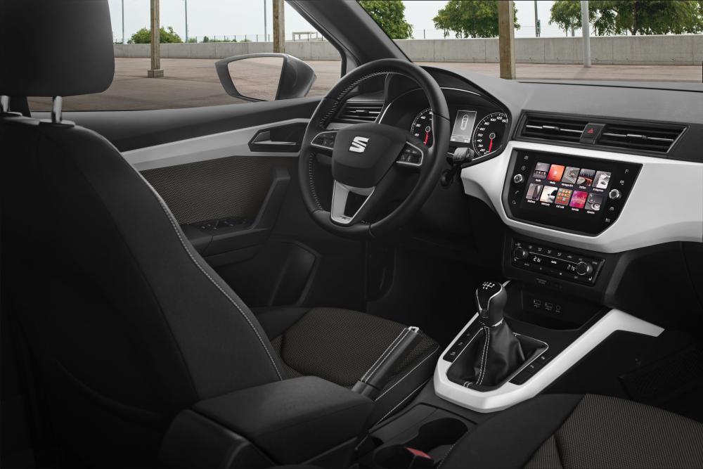 SEAT Arona 1 поколение Кроссовер интерьер
