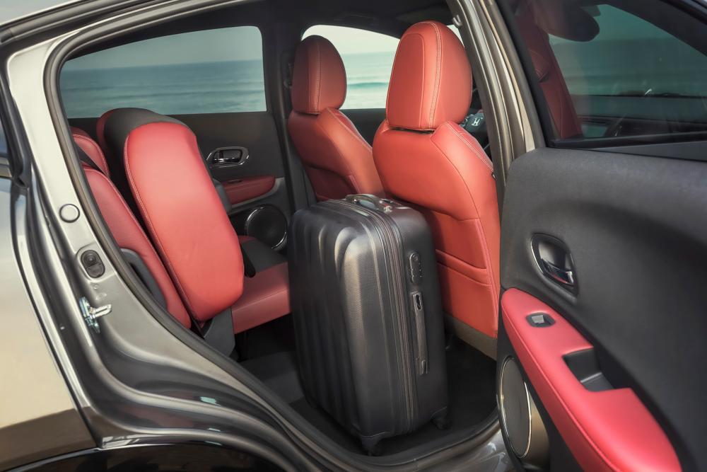 Honda HR-V 2 поколение рестайлинг интерьер