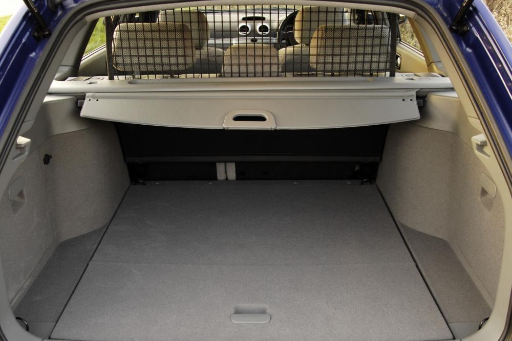 Chevrolet Lacetti 1 поколение (2004-2013) Универсал интерьер