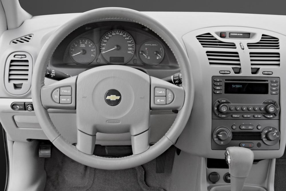Chevrolet Malibu 3 поколение Maxx универсал интерьер