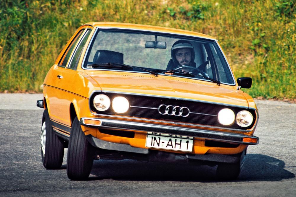 Audi 80 B1 (1973-1976) GT седан 2-дв.