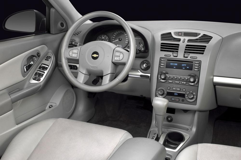 Chevrolet Malibu 3 поколение Седан интерьер