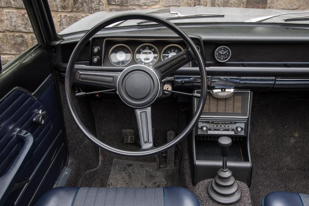 BMW 02 (E10) 1 поколение (1967-1975) Кабриолет интерьер