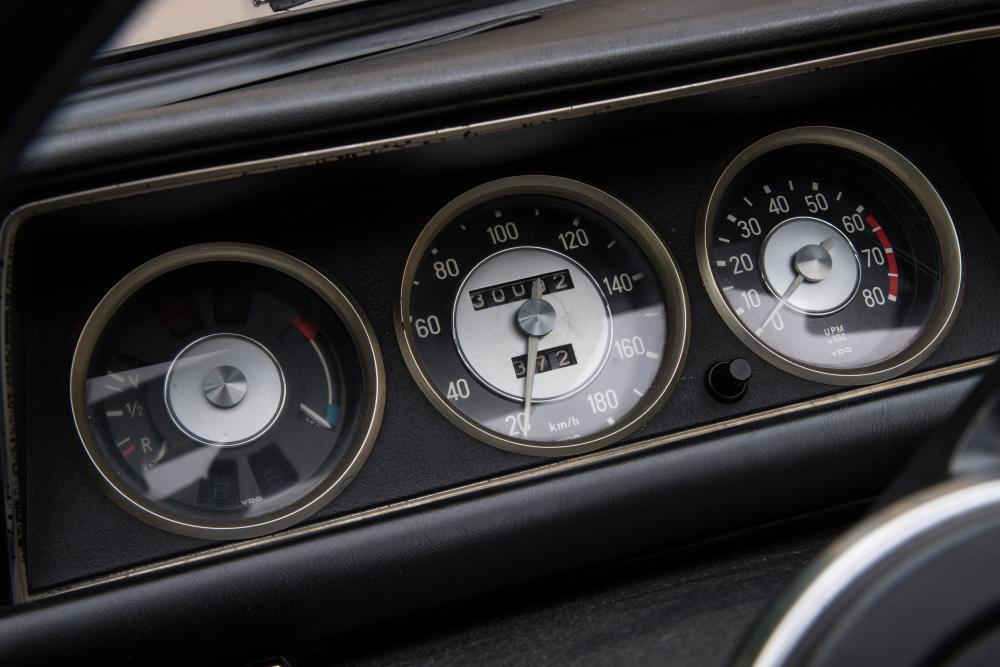 BMW 02 (E10) 1 поколение (1967-1975) Кабриолет комбинация приборов