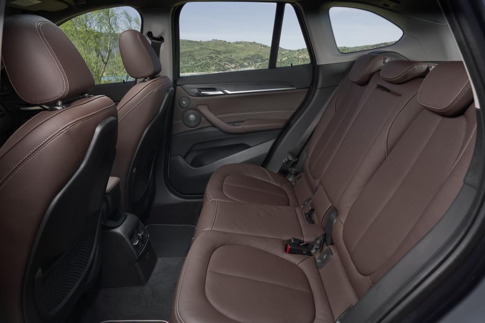 BMW X1 F48 рестайлинг 2 поколение интерьер