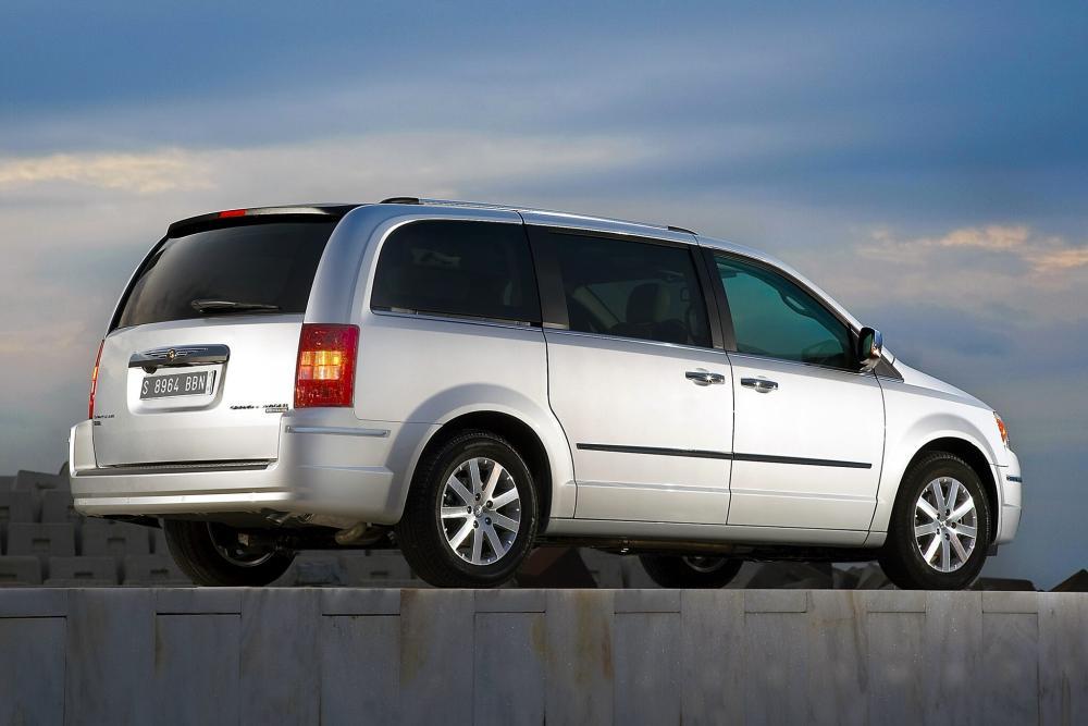Chrysler Voyager 5 поколение (2007-2010) Минивэн Grand