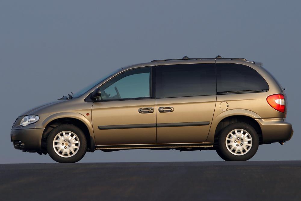 Chrysler Voyager 4 поколение рестайлинг (2004-2007) Минивэн