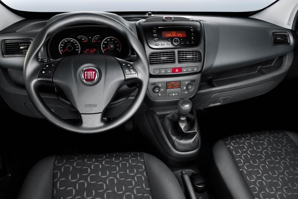 Fiat Doblo 2 поколение Cargo фургон торпедо