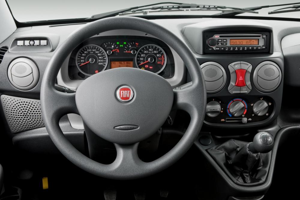 Fiat Doblo 1 поколение рестайлинг Cargo фургон панель приборов
