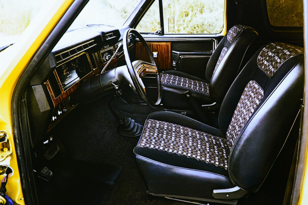 Ford Bronco 3 поколение (1980-1986) Внедорожник 3-дв. интерьер