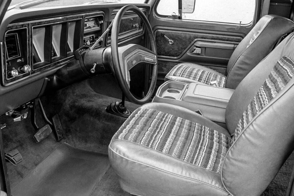 Ford Bronco 2 поколение (1978-1979) Внедорожник 3-дв. интерьер